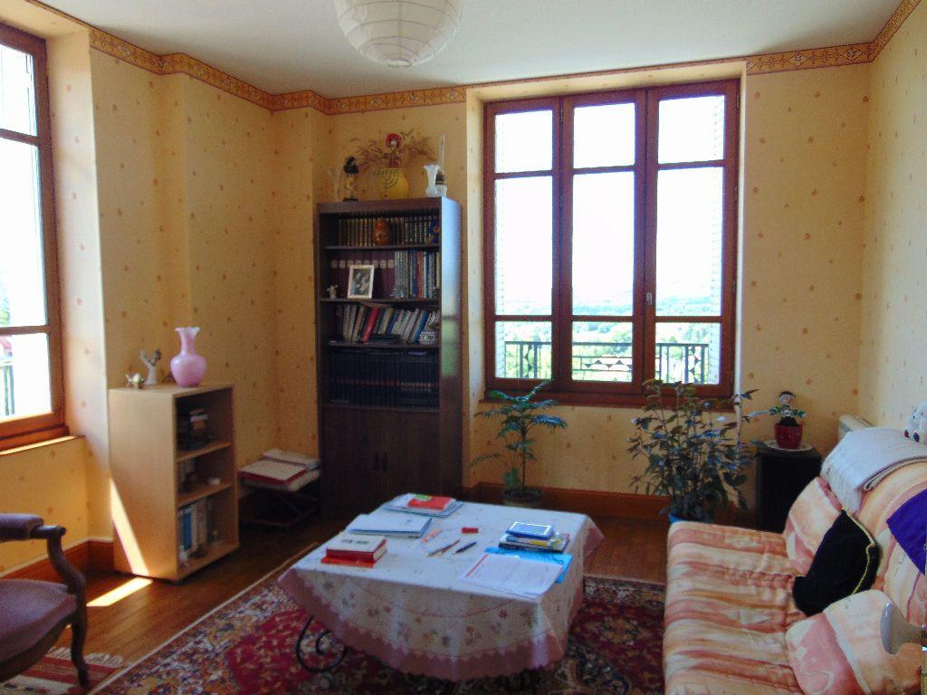 Appartement à vendre 4 65.3m2 à Hauteville-Lompnes vignette-3