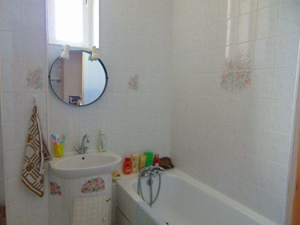 Appartement à vendre 4 65.3m2 à Hauteville-Lompnes vignette-7