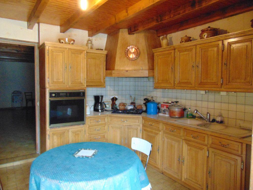 Maison à vendre 11 228m2 à Hauteville-Lompnes vignette-2
