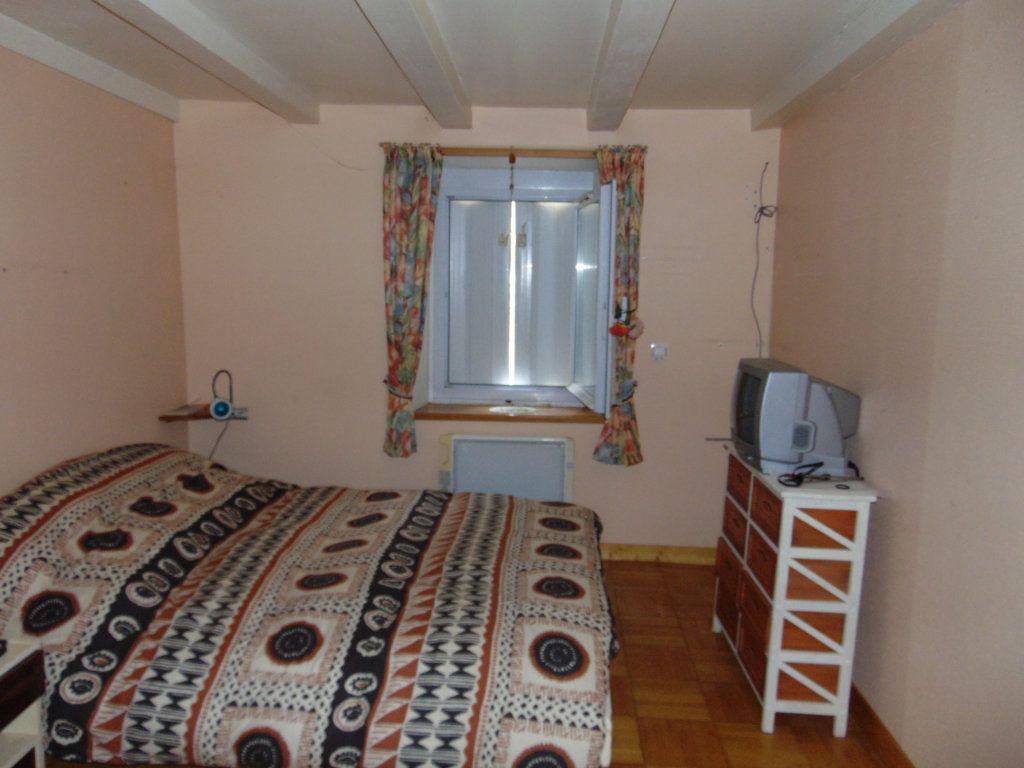 Maison à vendre 11 228m2 à Hauteville-Lompnes vignette-9