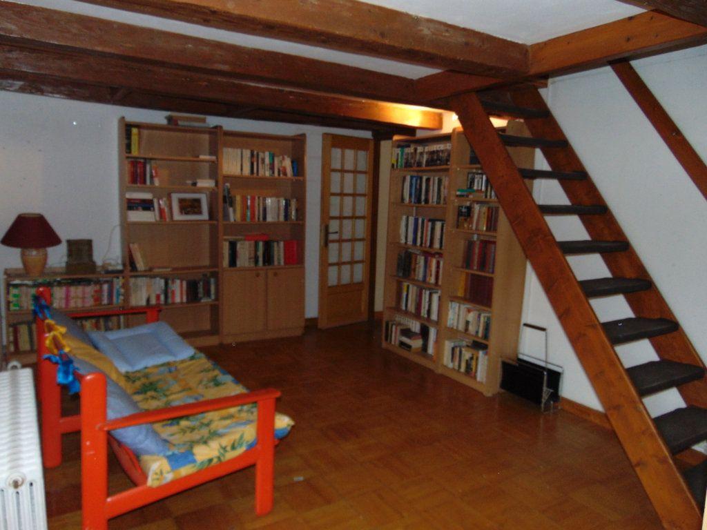 Maison à vendre 11 228m2 à Hauteville-Lompnes vignette-11