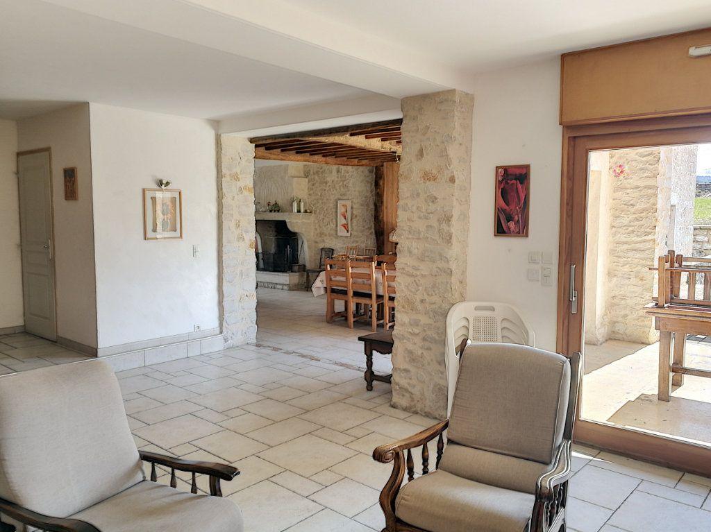 Maison à vendre 6 200m2 à Hautecourt-Romanèche vignette-1