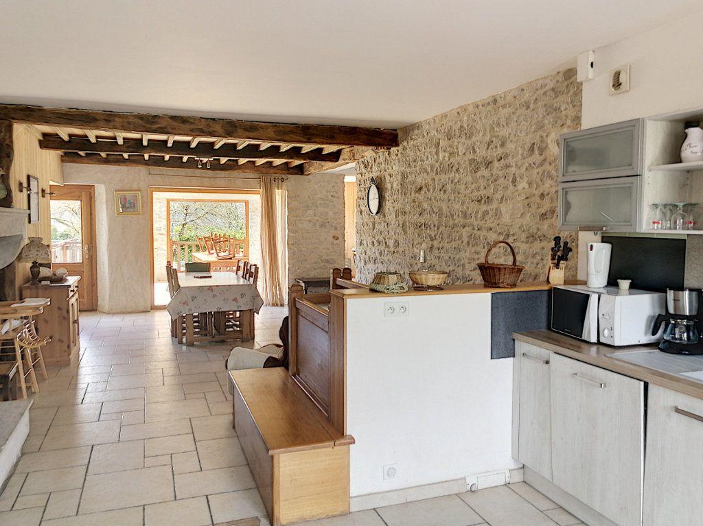 Maison à vendre 6 200m2 à Hautecourt-Romanèche vignette-2