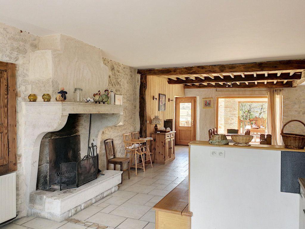 Maison à vendre 6 200m2 à Hautecourt-Romanèche vignette-8