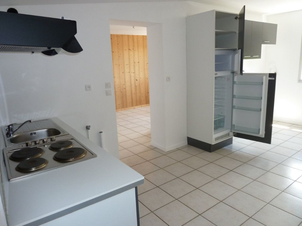 Appartement à vendre 2 68m2 à Brénod vignette-2