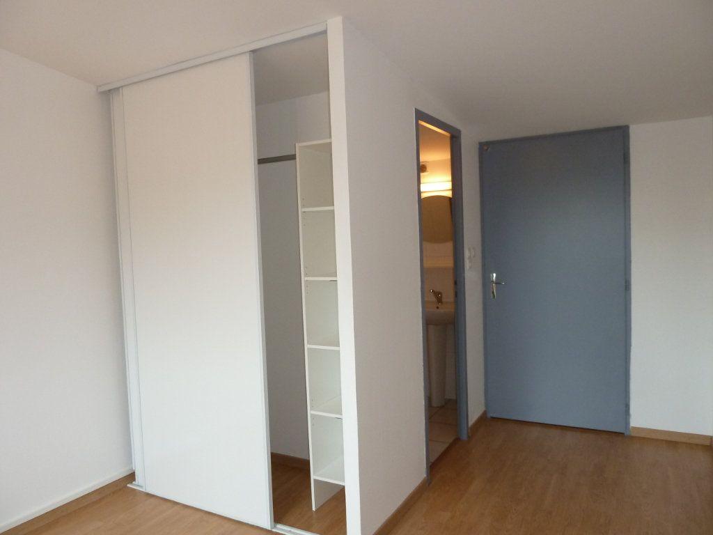 Appartement à vendre 2 68m2 à Brénod vignette-6