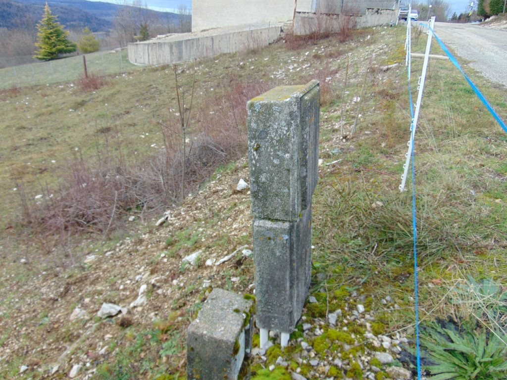 Terrain à vendre 0 816m2 à Cormaranche-en-Bugey vignette-2