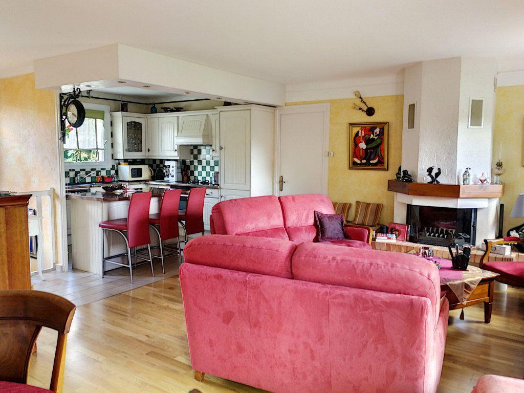 Maison à vendre 7 159.8m2 à Bourg-en-Bresse vignette-2