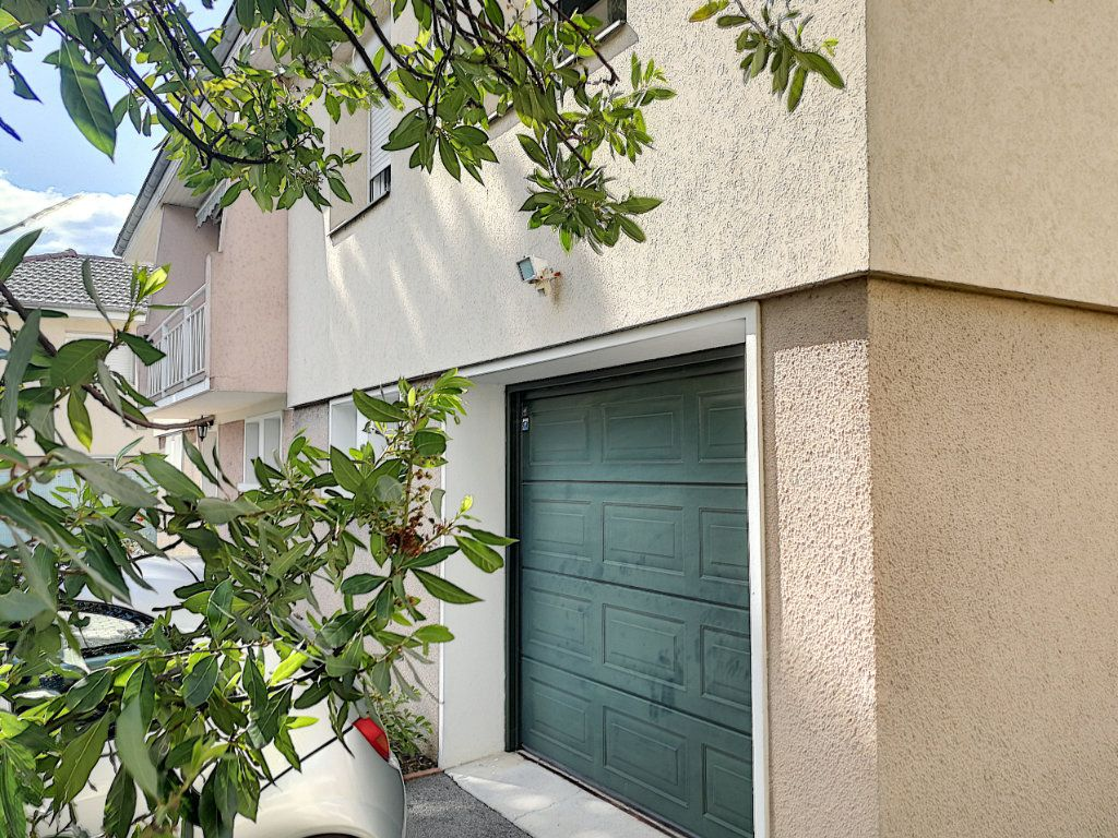 Maison à vendre 7 159.8m2 à Bourg-en-Bresse vignette-3