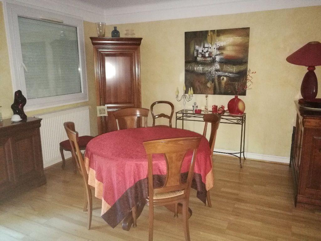 Maison à vendre 7 159.8m2 à Bourg-en-Bresse vignette-6