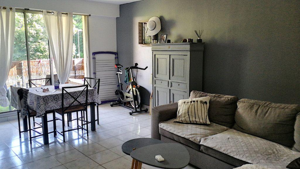 Appartement à vendre 5 95.44m2 à Saint-Just vignette-1