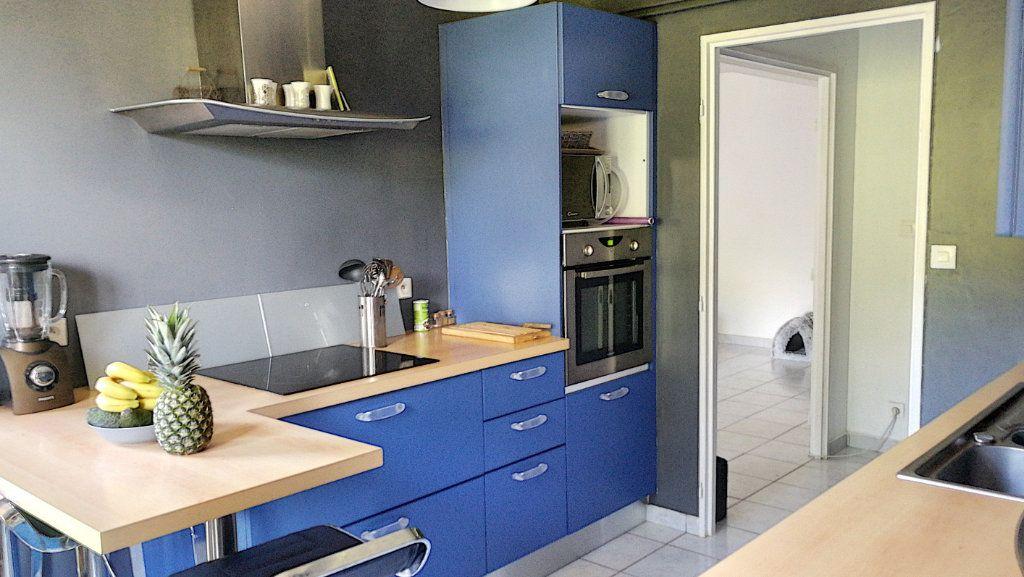 Appartement à vendre 5 95.44m2 à Saint-Just vignette-5