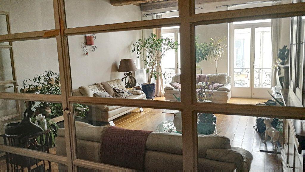 Appartement à vendre 5 147.39m2 à Bourg-en-Bresse vignette-3