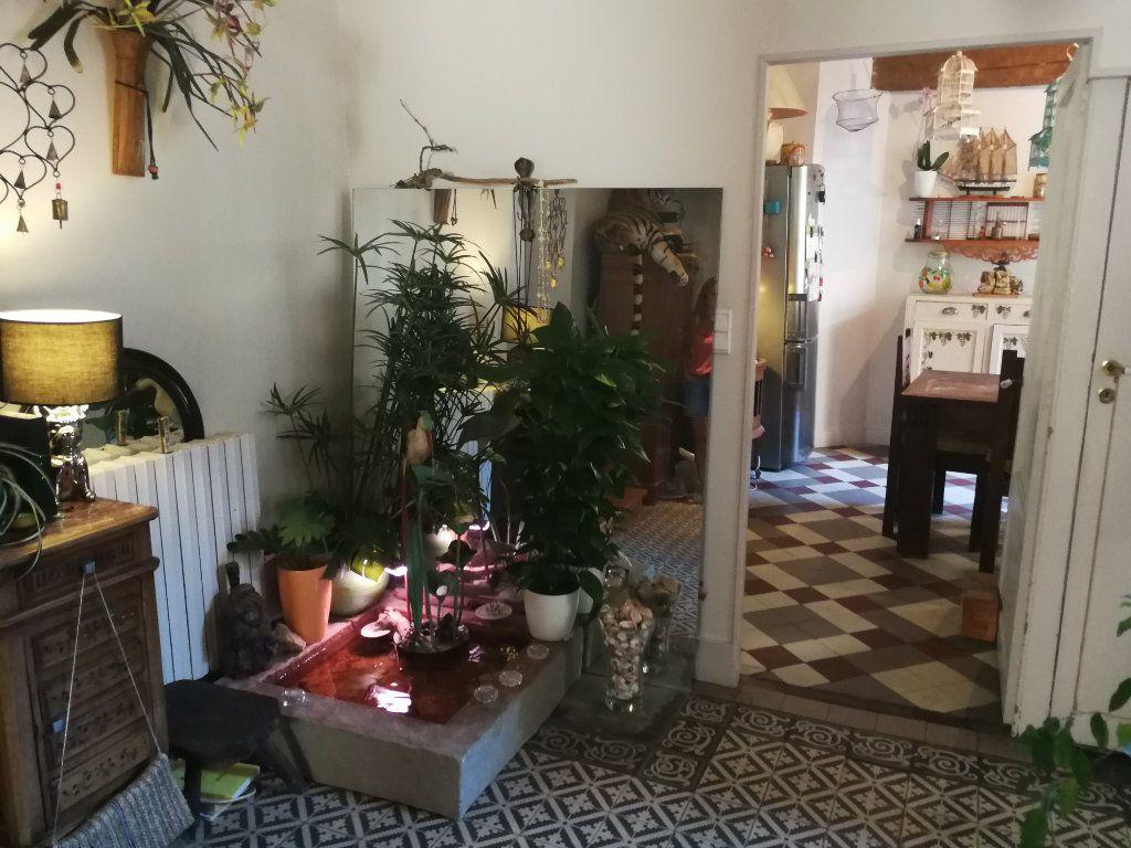 Appartement à vendre 5 147.39m2 à Bourg-en-Bresse vignette-4
