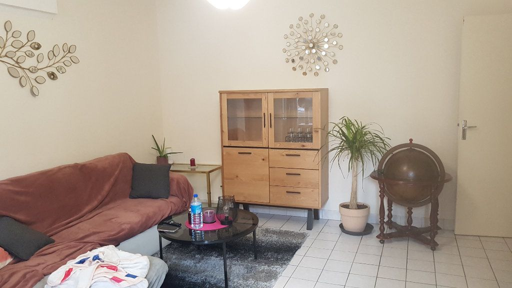 Appartement à vendre 2 57.78m2 à Bourg-en-Bresse vignette-1