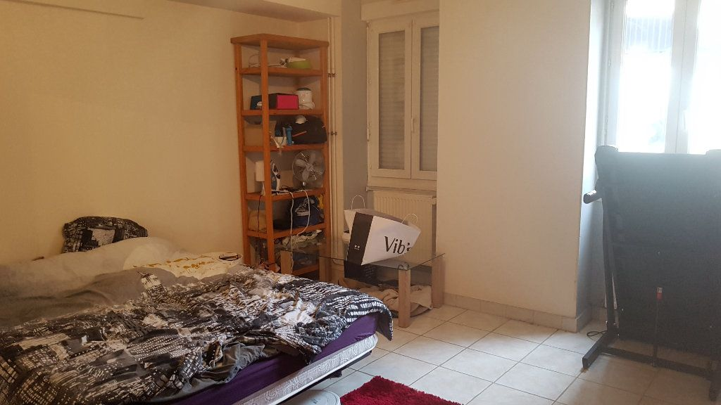 Appartement à vendre 2 57.78m2 à Bourg-en-Bresse vignette-2
