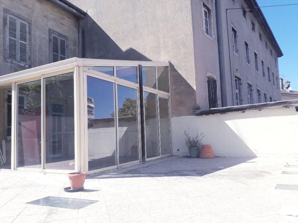 Maison à vendre 15 440m2 à Bourg-en-Bresse vignette-1