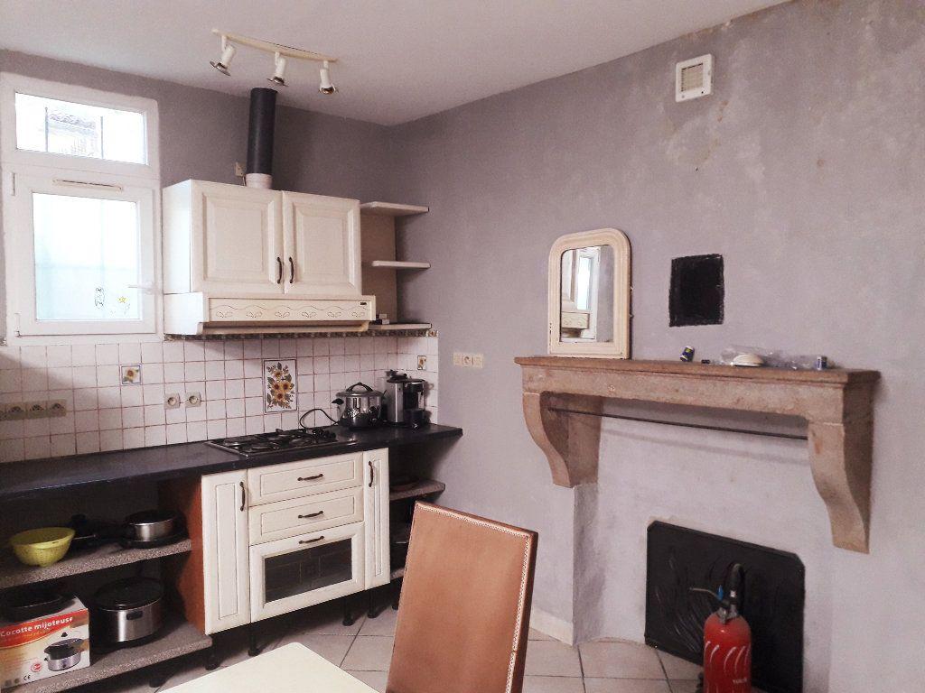 Maison à vendre 15 440m2 à Bourg-en-Bresse vignette-3