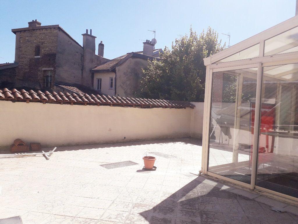 Maison à vendre 15 440m2 à Bourg-en-Bresse vignette-4