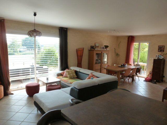 Maison à vendre 6 113m2 à Chanoz-Châtenay vignette-4