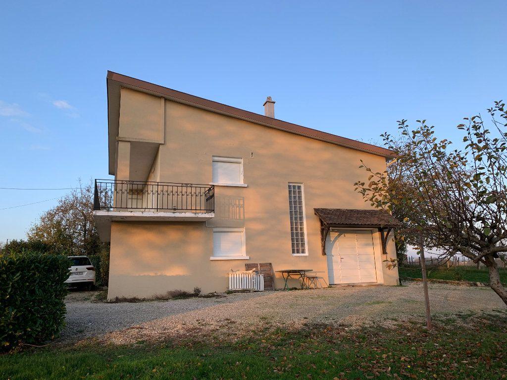 Maison à vendre 4 120m2 à Montrevel-en-Bresse vignette-3