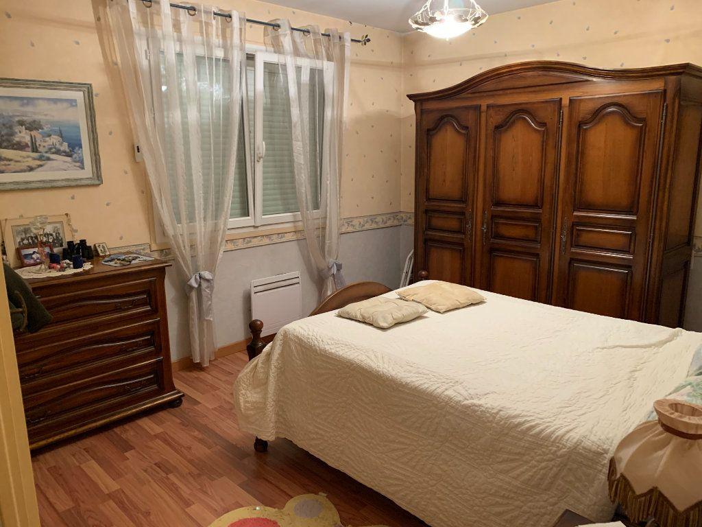 Maison à vendre 4 120m2 à Montrevel-en-Bresse vignette-8