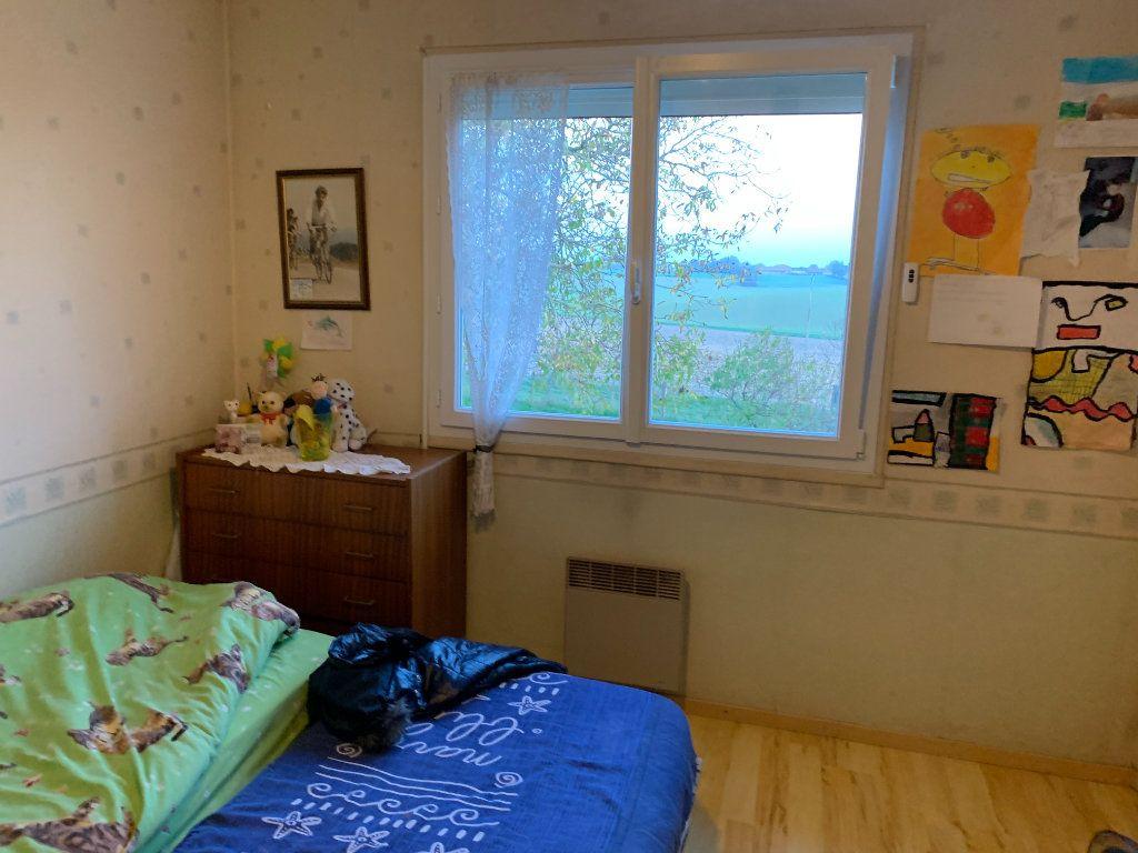 Maison à vendre 4 120m2 à Montrevel-en-Bresse vignette-9