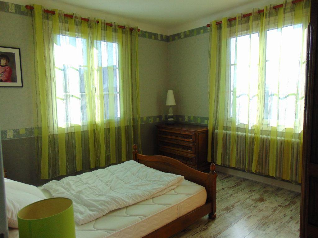 Maison à vendre 7 160m2 à Hauteville-Lompnes vignette-9