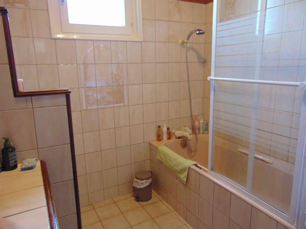 Maison à vendre 7 160m2 à Hauteville-Lompnes vignette-11