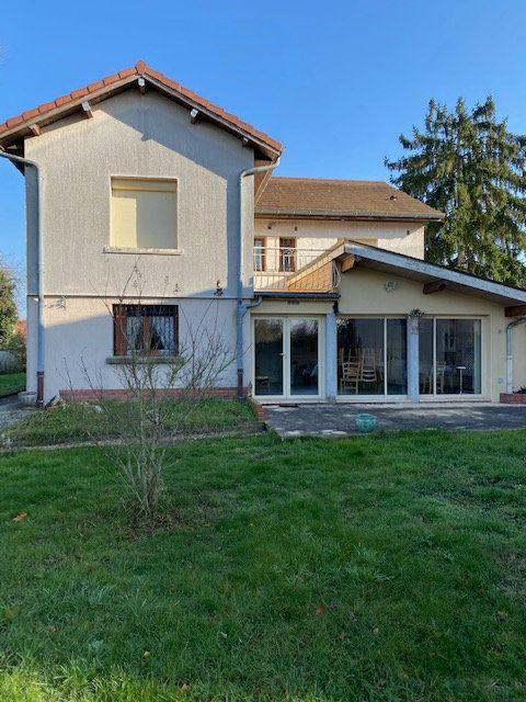 Maison à vendre 6 138m2 à Bourg-en-Bresse vignette-2