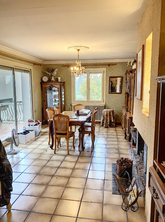 Maison à vendre 6 138m2 à Bourg-en-Bresse vignette-4