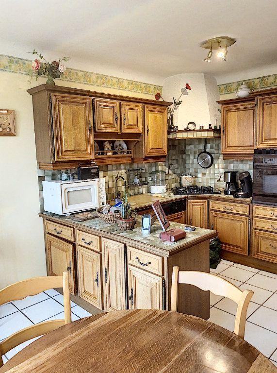 Maison à vendre 6 138m2 à Bourg-en-Bresse vignette-5