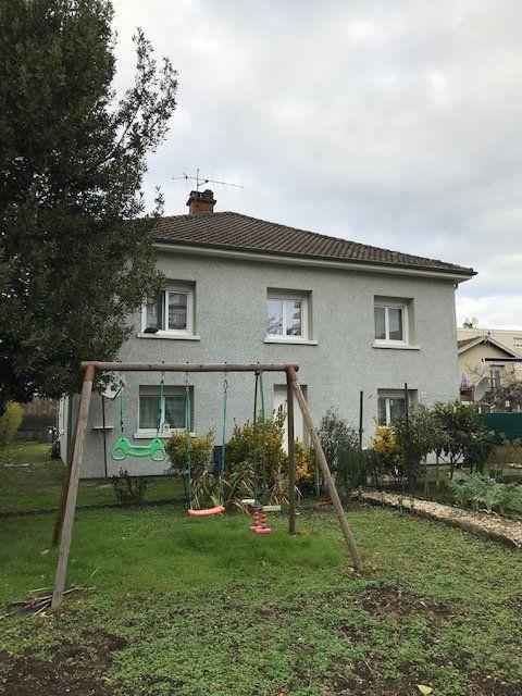 Maison à vendre 7 200m2 à Bourg-en-Bresse vignette-1