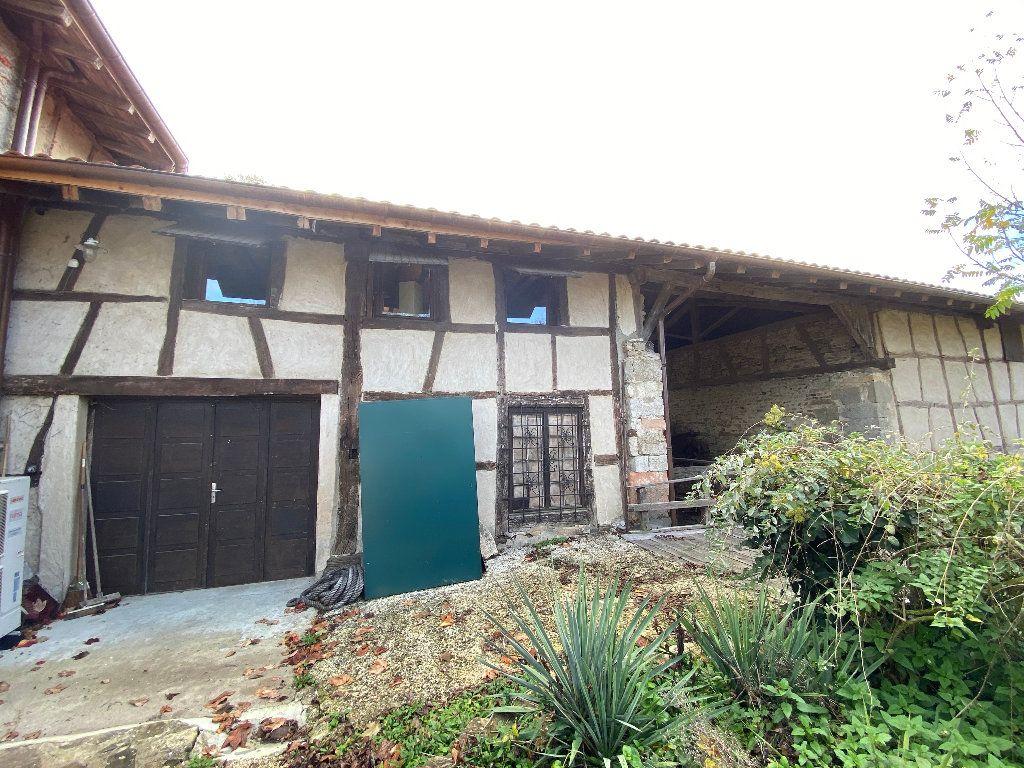 Maison à vendre 10 381m2 à Attignat vignette-3
