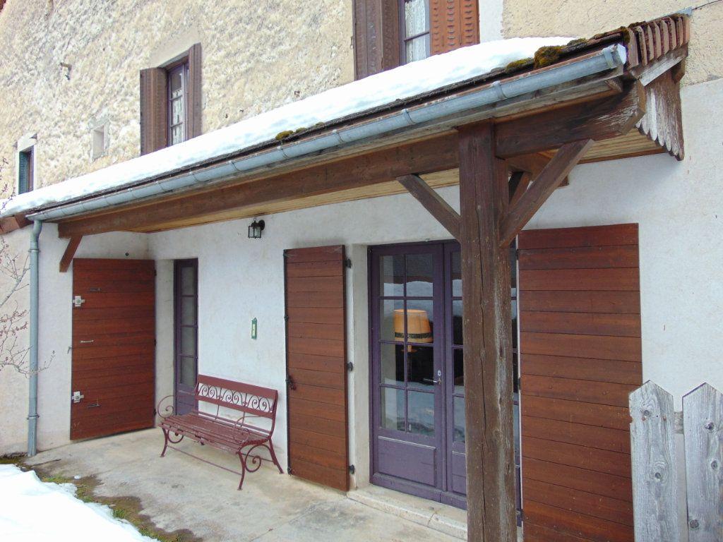 Maison à vendre 6 116m2 à Cormaranche-en-Bugey vignette-11