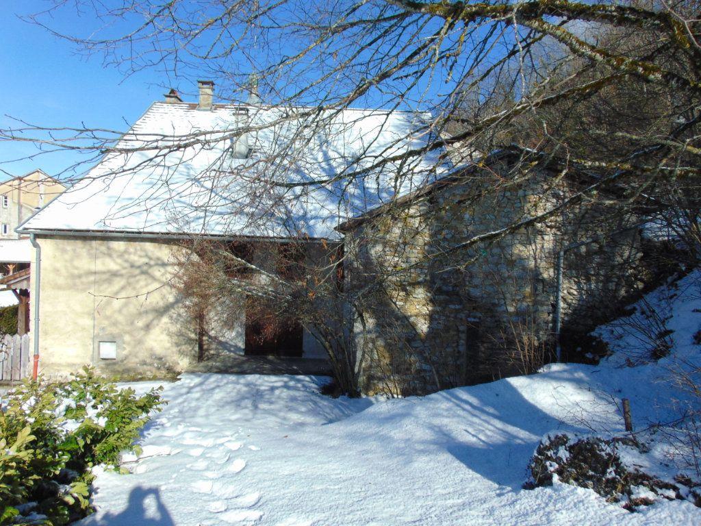 Maison à vendre 6 116m2 à Cormaranche-en-Bugey vignette-13