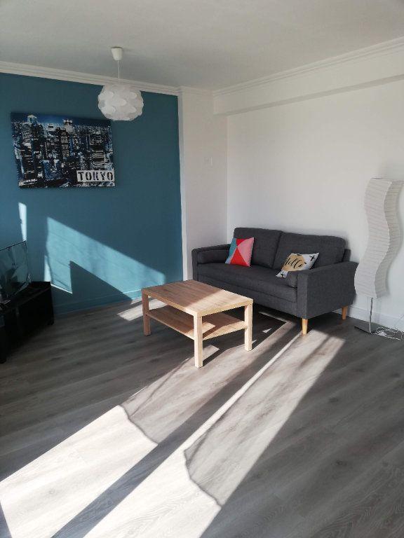 Appartement à vendre 3 68m2 à Bourg-en-Bresse vignette-2