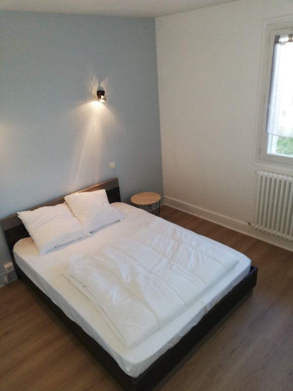 Appartement à vendre 3 68m2 à Bourg-en-Bresse vignette-6