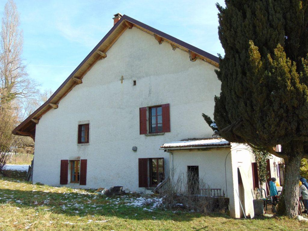 Maison à vendre 7 170m2 à Champagne-en-Valromey vignette-3
