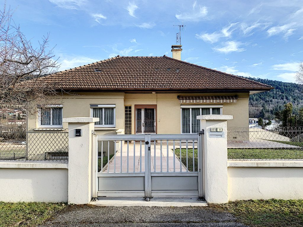 Maison à vendre 5 110m2 à Martignat vignette-1