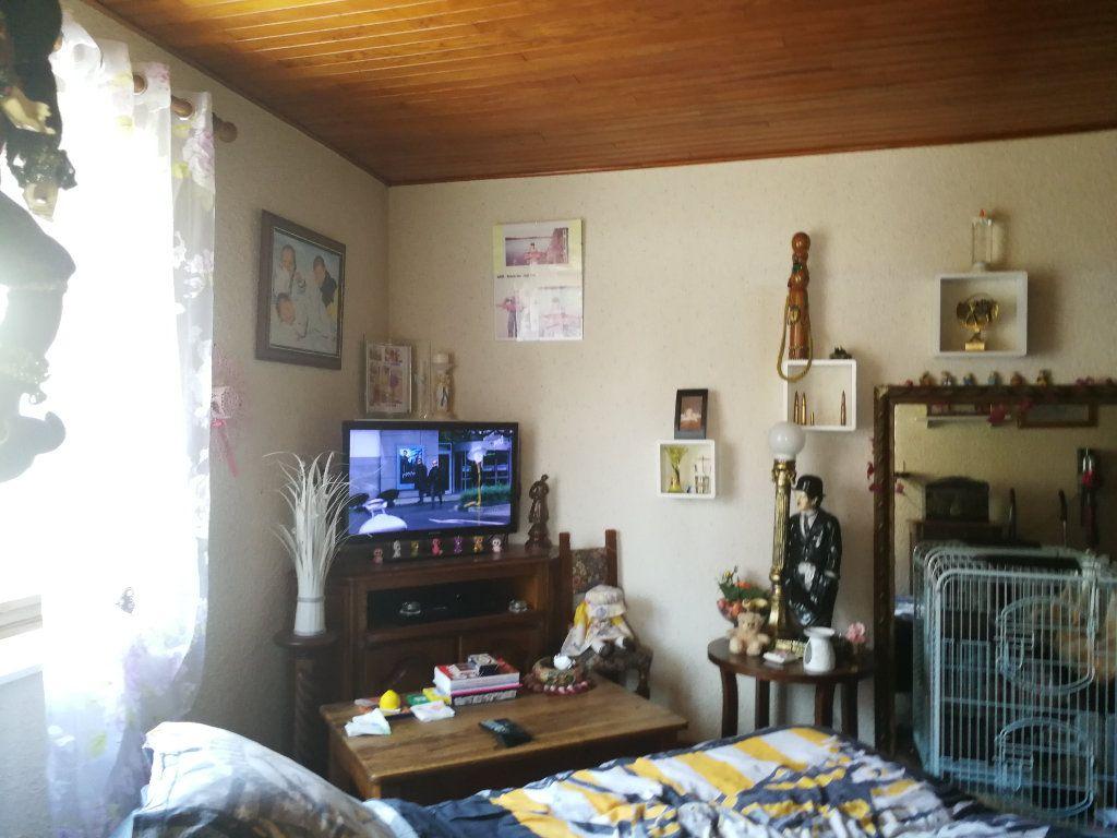 Maison à vendre 5 100m2 à Ceyzériat vignette-5