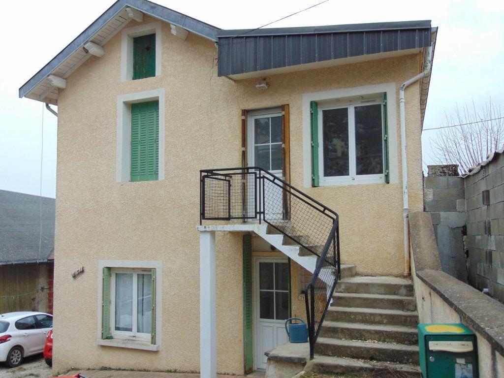 Maison à vendre 4 110m2 à Hauteville-Lompnes vignette-1