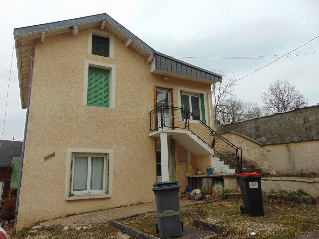 Maison à vendre 4 110m2 à Hauteville-Lompnes vignette-3