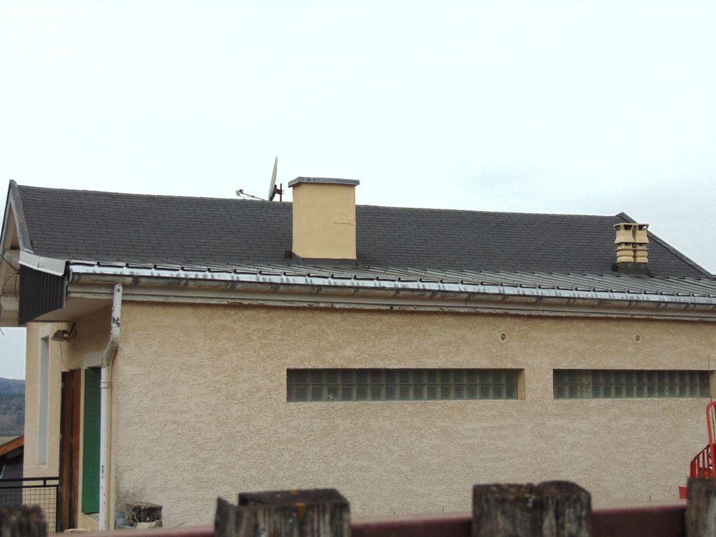Maison à vendre 4 110m2 à Hauteville-Lompnes vignette-4