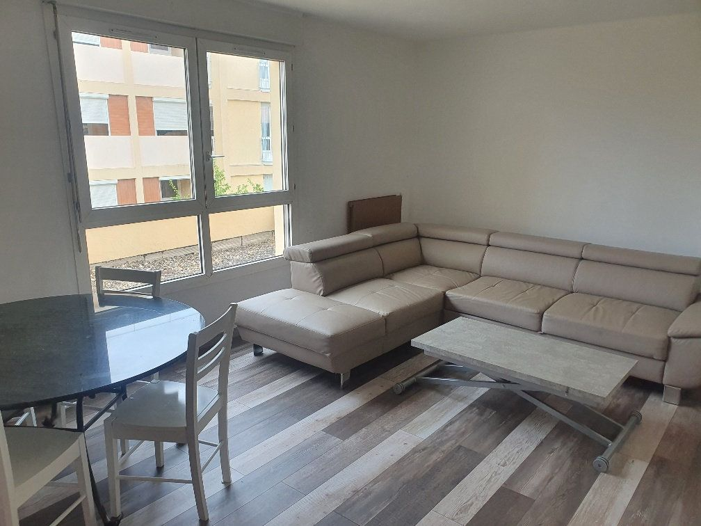 Appartement à vendre 4 90m2 à Saint-Laurent-sur-Saône vignette-3