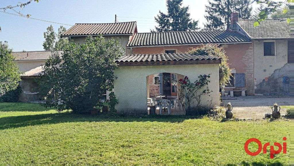 Maison à vendre 8 190m2 à Bourg-en-Bresse vignette-2