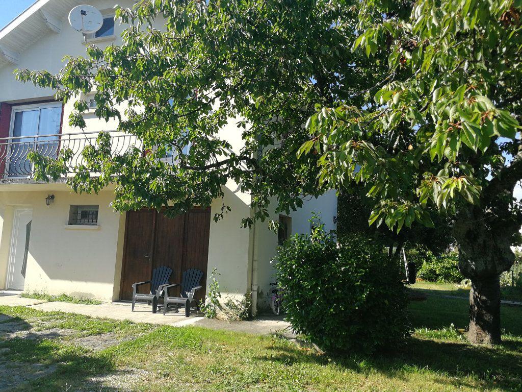 Maison à vendre 5 120m2 à Bourg-en-Bresse vignette-9