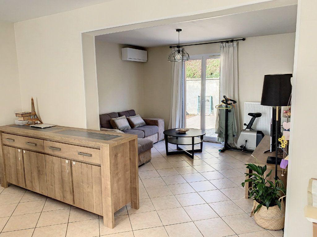 Maison à vendre 6 128m2 à Bourg-en-Bresse vignette-3