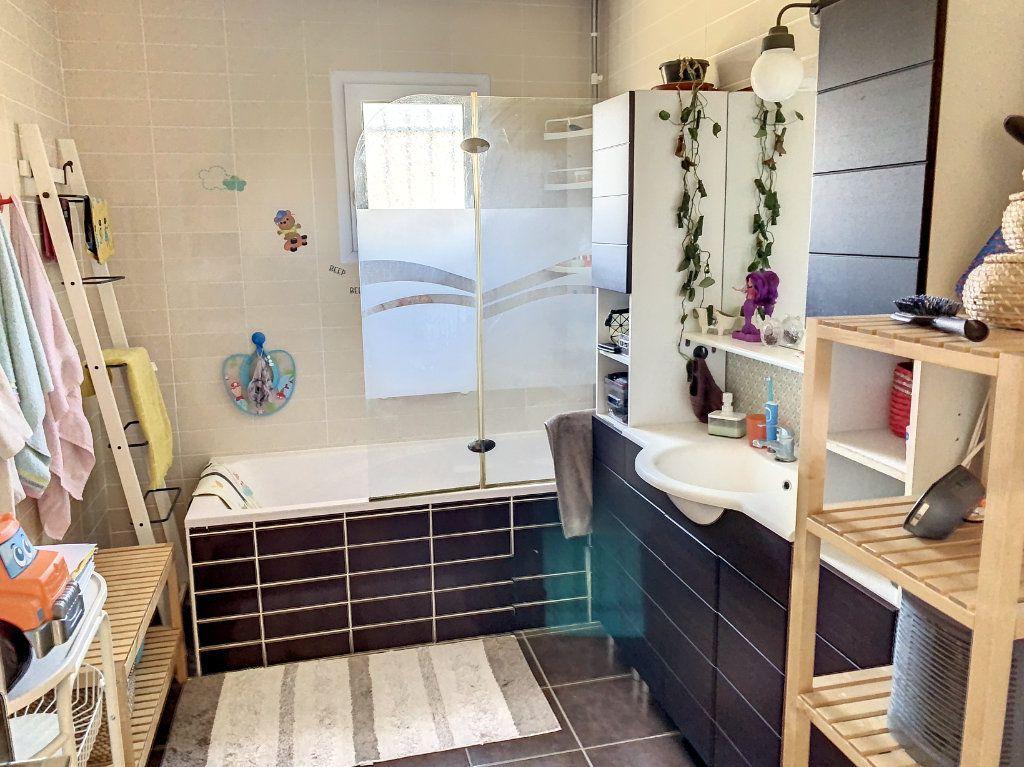 Maison à vendre 6 128m2 à Bourg-en-Bresse vignette-8