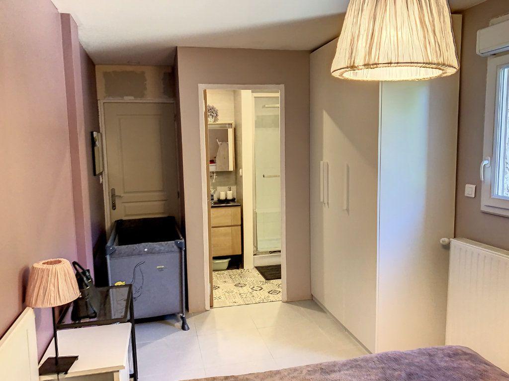 Maison à vendre 6 128m2 à Bourg-en-Bresse vignette-9